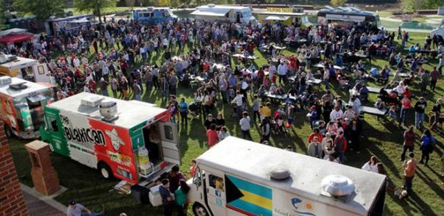 http://mobile-cuisine.com/social-media/food-truck-event-traffic-social-media/