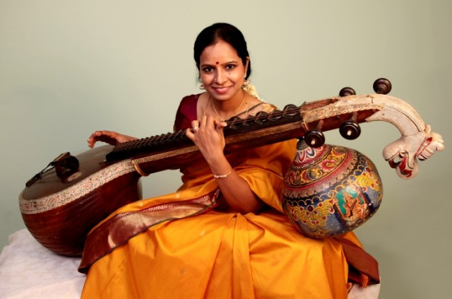 https://www.hk.artsfestival.org/tc/programmes/world-music-weekend-jugalbandhi-veena-sitar/